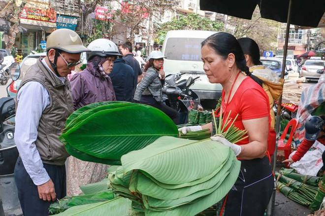 Chợ lá dong lâu đời nhất Thủ đô đìu hiu ngày cận Tết - Ảnh 2.