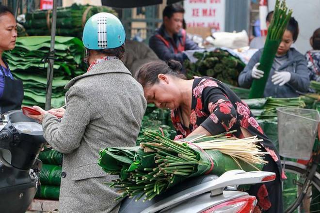 Chợ lá dong lâu đời nhất Thủ đô đìu hiu ngày cận Tết - Ảnh 10.