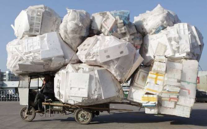 Ảnh: Ngỡ ngàng những chiếc xe chở hàng quá tải, quá khổ khắp thế giới - Ảnh 10.