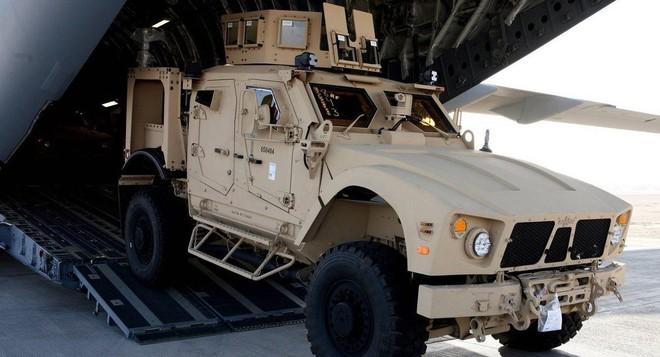 Vũ khí Mỹ diễu võ dương oai trong tay tử địch: Đồng minh Saudi-UAE đâm sau lưng? - Ảnh 1.