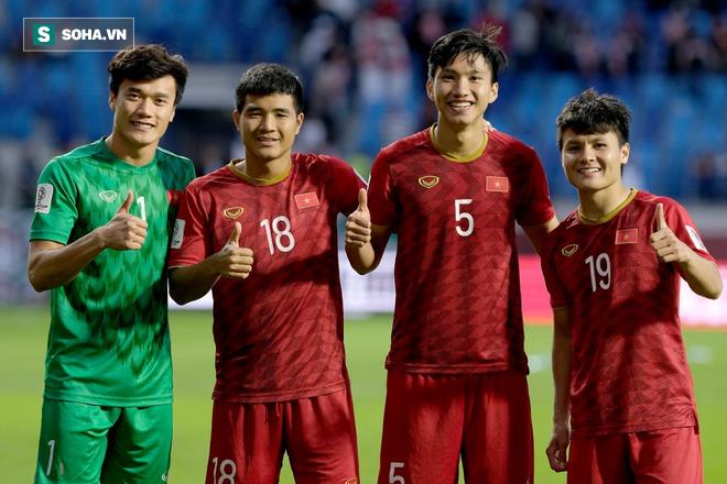 Cơ hội để Văn Hậu trở thành đồng đội của Văn Lâm đang được Muathong United mở ra - Ảnh 1.