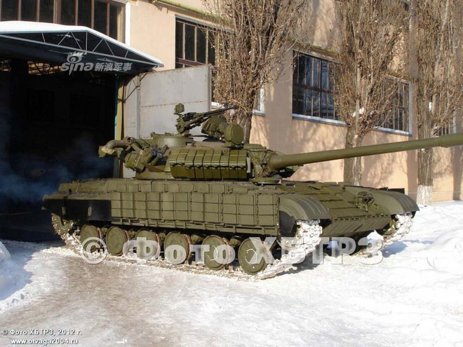 Ukraine nâng cấp xe tăng T-64 bằng tháp pháo của T-55: Cải tiến kiểu... thụt lùi? - Ảnh 2.