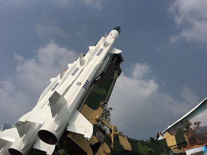Tên lửa phòng không Át chủ bài sẽ giúp Ấn Độ trả mối hận tiêm kích bị bắn rơi? - Ảnh 1.