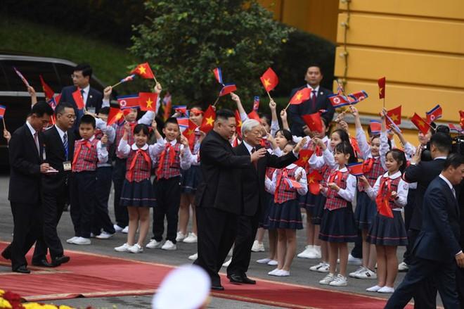 Toàn cảnh Lễ đón Chủ tịch Triều Tiên Kim Jong Un thăm chính thức Việt Nam - Ảnh 7.