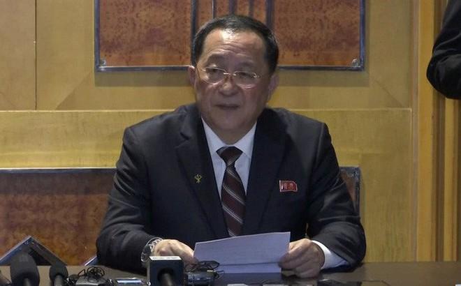 """Sau họp báo bất ngờ lúc nửa đêm nói ông Kim Jong Un """"nản lòng"""", KCNA: Chủ tịch Kim hẹn gặp lại tổng thống Trump"""