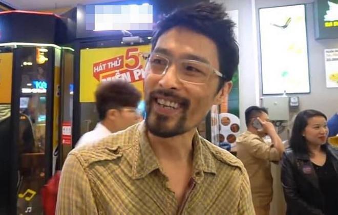 Johnny Trí Nguyễn lại khiến fans xót xa bởi vẻ ngoài gầy gò, tiều tuỵ - Ảnh 2.