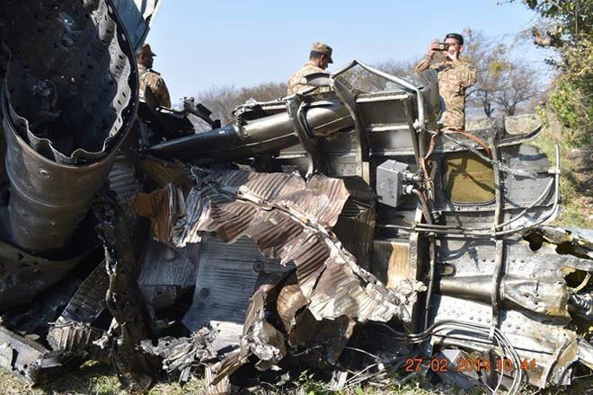 Máy bay Ấn Độ và Pakistan không chiến ở Kashmir, phi công người Ấn sẽ được thả - Ảnh 2.