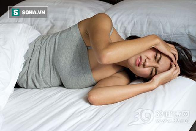 Mất ngủ khiến bạn mất sức, xuống sắc, ốm yếu: 3 tuyệt chiêu ngủ ngon có thể bạn sẽ cần - Ảnh 1.