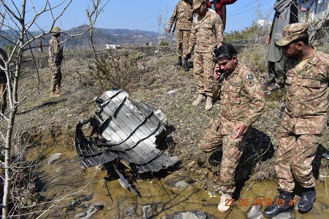 Máy bay Ấn Độ và Pakistan không chiến ở Kashmir, phi công người Ấn sẽ được thả - Ảnh 3.