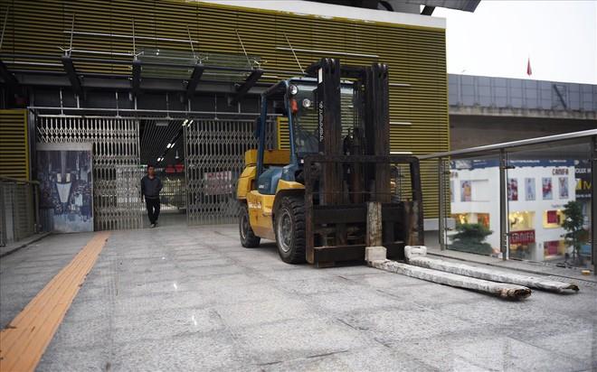 Đường sắt Cát Linh - Hà Đông gấp rút hoàn thiện trước ngày khai thác - Ảnh 4.