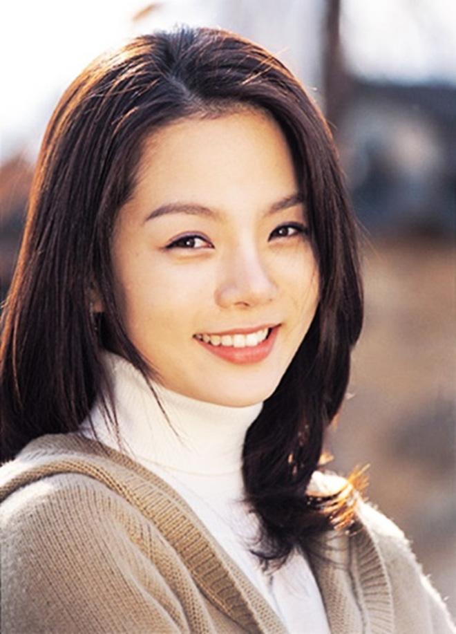 Nữ thần Chae Rim: Xuống sắc, hết thời, phải đưa con về nước vì chồng trẻ ngoại tình? - Ảnh 1.