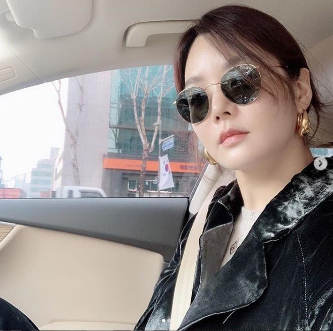 Nữ thần Chae Rim: Xuống sắc, hết thời, phải đưa con về nước vì chồng trẻ ngoại tình? - Ảnh 8.