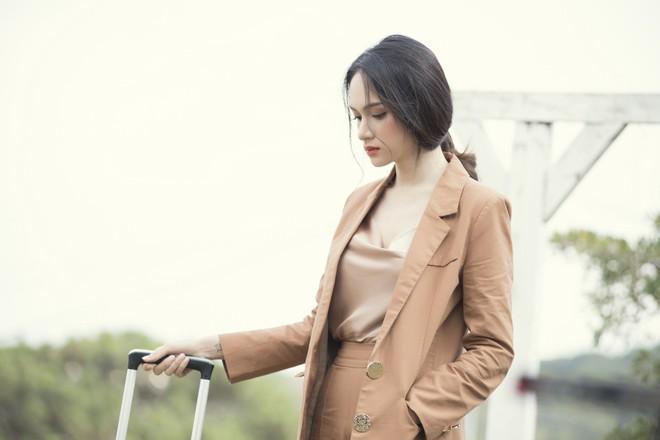 Hương Giang đau đớn khi bị bạn thân cướp người yêu trong MV mới - Ảnh 6.