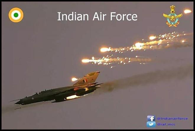F-16 Pakistan bắn hạ MiG-21 Ấn Độ, Su-30MKI báo thù? - Ảnh 1.