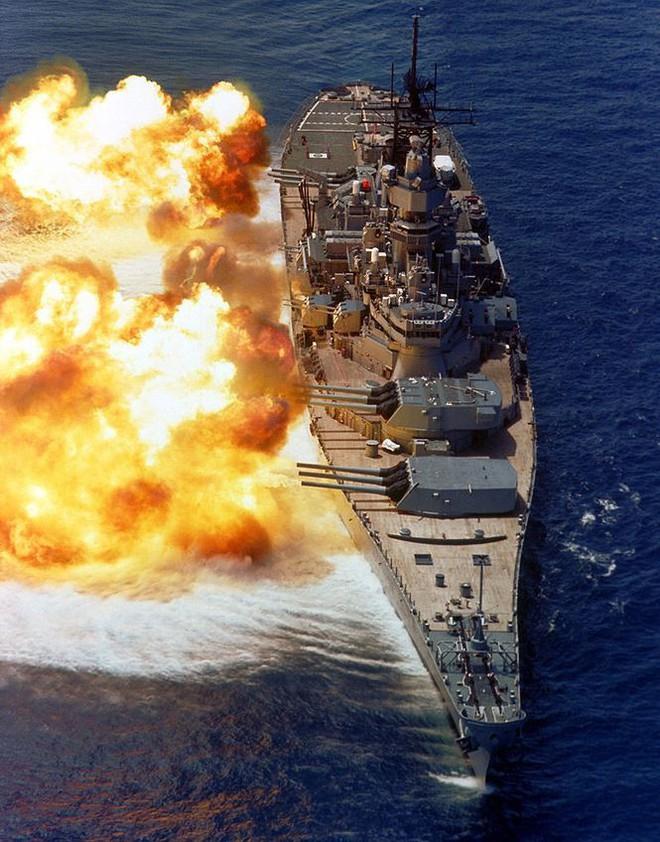 Đối phó Trung Quốc, Mỹ quay lại thời kỳ thiết giáp hạm: Tân trang các tàu thời Thế chiến 2? - Ảnh 1.