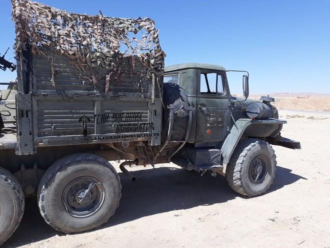 Lính đánh thuê người Nga ở Syria nhặt được xe đặc biệt: Cải tử hoàn sinh thành chiến xa - Ảnh 1.
