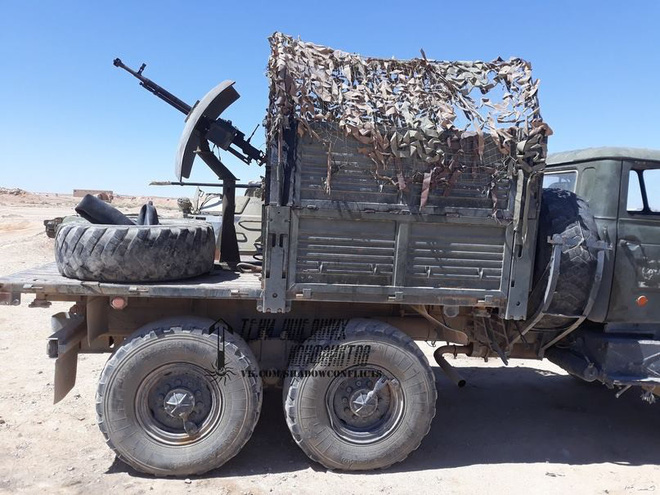 Lính đánh thuê người Nga ở Syria nhặt được xe đặc biệt: Cải tử hoàn sinh thành chiến xa - Ảnh 2.