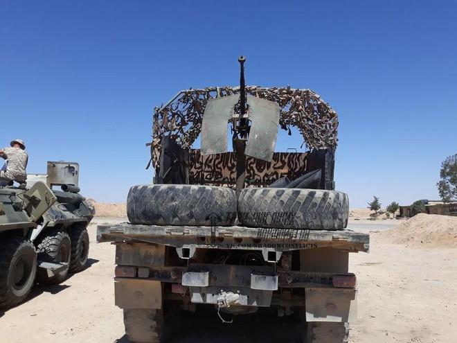 Lính đánh thuê người Nga ở Syria nhặt được xe đặc biệt: Cải tử hoàn sinh thành chiến xa - Ảnh 3.