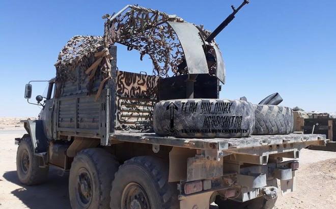 """Lính đánh thuê người Nga ở Syria """"nhặt được"""" xe đặc biệt: Cải tử hoàn sinh thành chiến xa"""