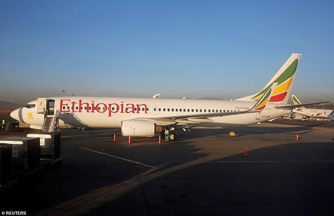 Hai chiếc 737 MAX 8 rơithảm khốc trong hơn 4 tháng, nhiều câu hỏi đang xoáy vào Boeing - Ảnh 1.