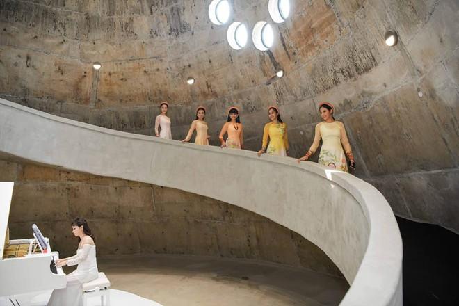 Các hoa hậu, á hậu dự triển lãm Lịch sử cà phê thế giới tại Bảo tàng thế giới cà phê - Ảnh 5.