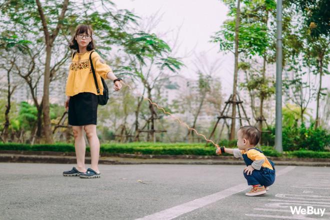 Những bà mẹ bị hội chứng mất não sau sinh nhất định phải thử qua sợi dây chống lạc con nơi công cộng này - Ảnh 13.