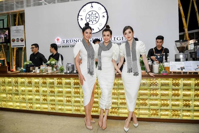 Hoa hậu Ngọc Hân, Á hậu Huyền My, Á hậu Lệ Hằng đã giao lưu và ký tặng sách tại không gian Trung Nguyên Legend - Ảnh 2.