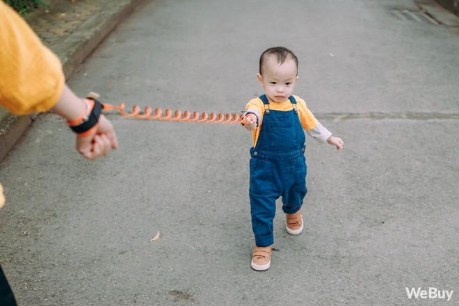Những bà mẹ bị hội chứng mất não sau sinh nhất định phải thử qua sợi dây chống lạc con nơi công cộng này - Ảnh 7.