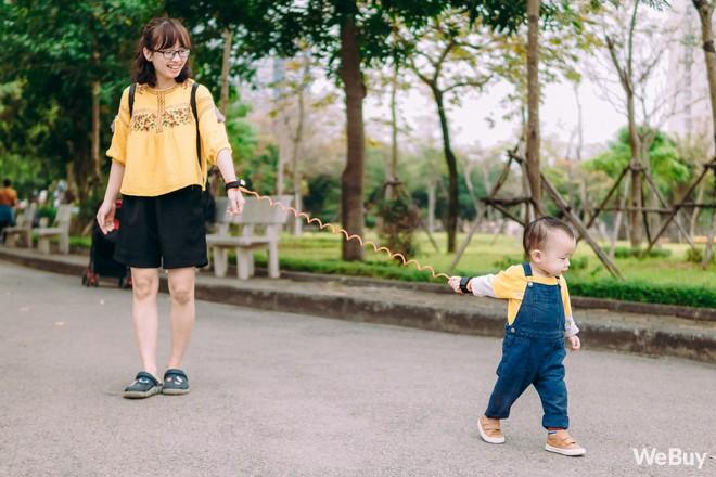 Những bà mẹ bị hội chứng mất não sau sinh nhất định phải thử qua sợi dây chống lạc con nơi công cộng này - Ảnh 10.