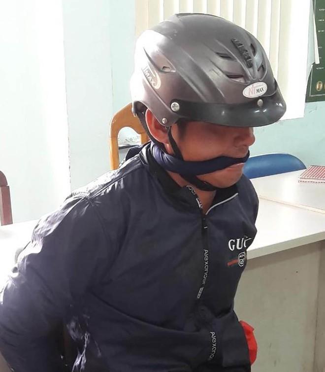 Nhân chứng vụ thanh niên sát hại cha mẹ và bà nội ở Sài Gòn: Cảnh tượng rất khủng khiếp, ra tay quá tàn độc - Ảnh 1.