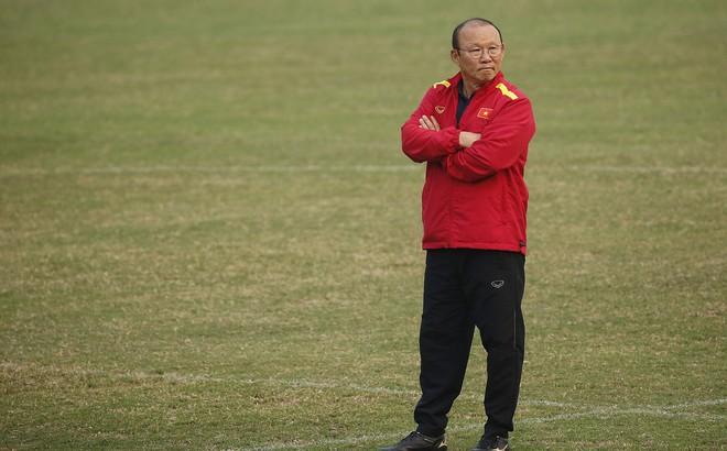 HLV Park Hang-seo đăm chiêu trước chấn thương dai dẳng của Vua phá lưới nội V.League 2018