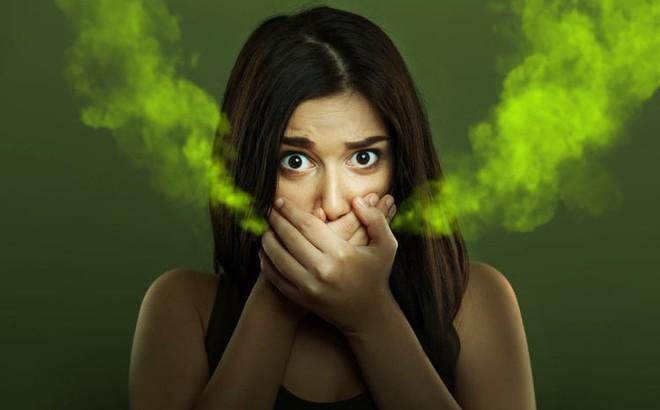 Hôi miệng khi ngủ dậy: Nếu không phải vì thức ăn, đây là 3 bệnh nguy hiểm cần chữa ngay