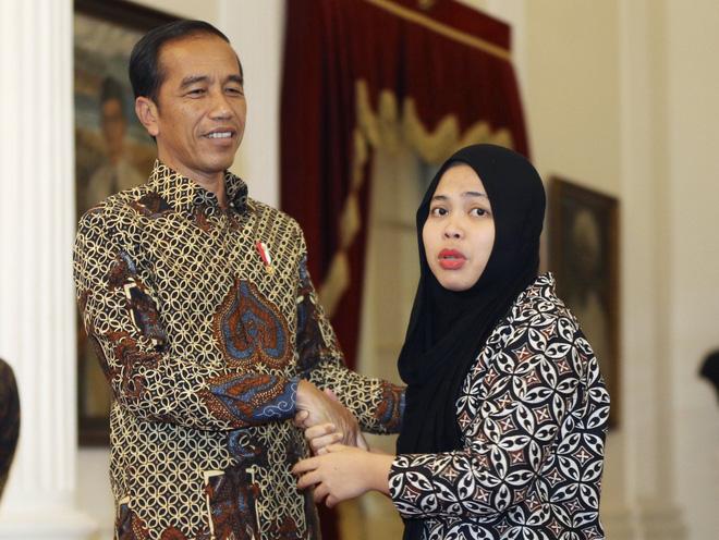 Tổng thống Indonesia đón công dân được thả trong nghi án Kim Jong-nam trở về - Ảnh 4.
