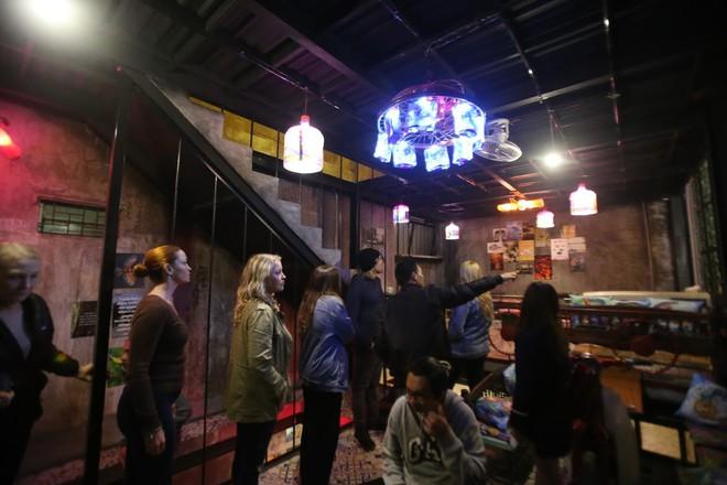 Quán cà phê có 1-0-2 khu phố cổ Hà Nội, khách ùn ùn đến cho rác - Ảnh 5.