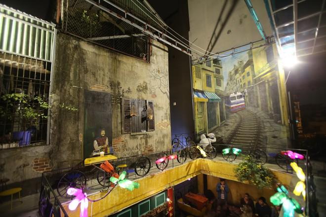 Quán cà phê có 1-0-2 khu phố cổ Hà Nội, khách ùn ùn đến cho rác - Ảnh 11.