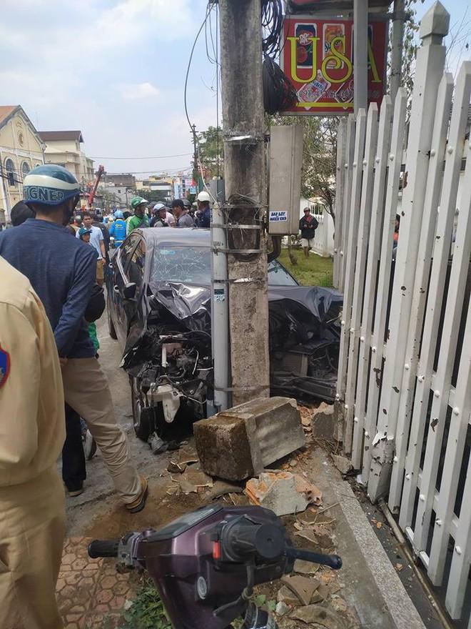 Gây tai nạn liên hoàn, thanh niên ngồi trong ô tô thản nhiên quẩy theo tiếng nhạc - Ảnh 4.
