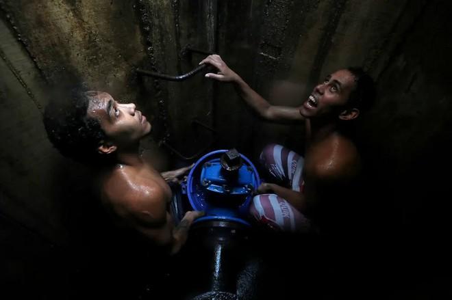 24h qua ảnh: Bên trong xưởng giặt thuê lớn nhất thành phố Mumbai - Ảnh 7.