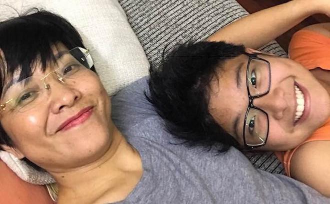 """Con trai Thảo Vân nói về cuộc ly hôn của bố mẹ: """"Mẹ của mọi người đều vất vả nhưng những người li dị còn khổ hơn"""""""