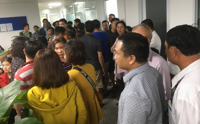 Vụ bao vây công ty bất động sản đòi sổ đỏ: Người dân kiến nghị cấm xuất cảnh lãnh đạo công ty Hoàng Nhất Nam