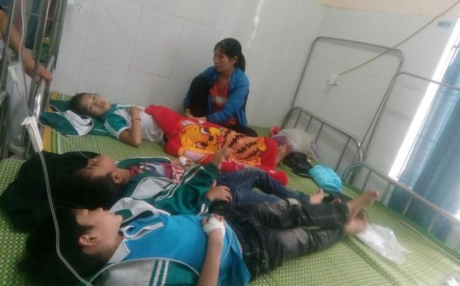 Hàng chục học sinh ở Thái Nguyên nhập viện cấp cứu sau khi uống sữa do nhà trường phát