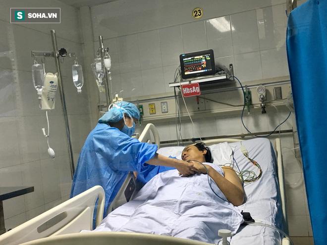 Kỳ tích mới chia đôi gan từ một bệnh nhân chết não và ghép tạng cứu sống 5 người - Ảnh 2.