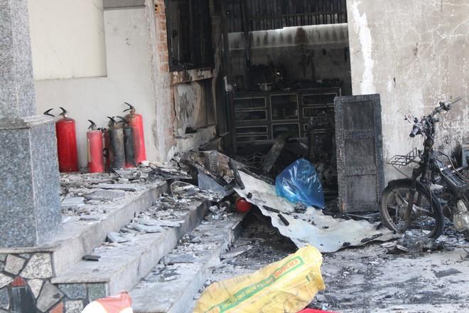 Cận cảnh hiện trường vụ hỏa hoạn khiến 3 người chết cháy ở Bà Rịa - Vũng Tàu - Ảnh 7.