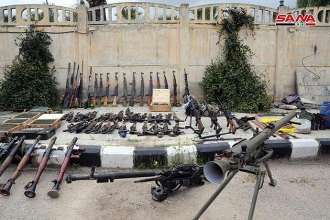 """Quân đội Syria tiếp tục thu hoạch vũ khí trang bị của """"quân nổi dậy"""" ở Daraa - Ảnh 3."""