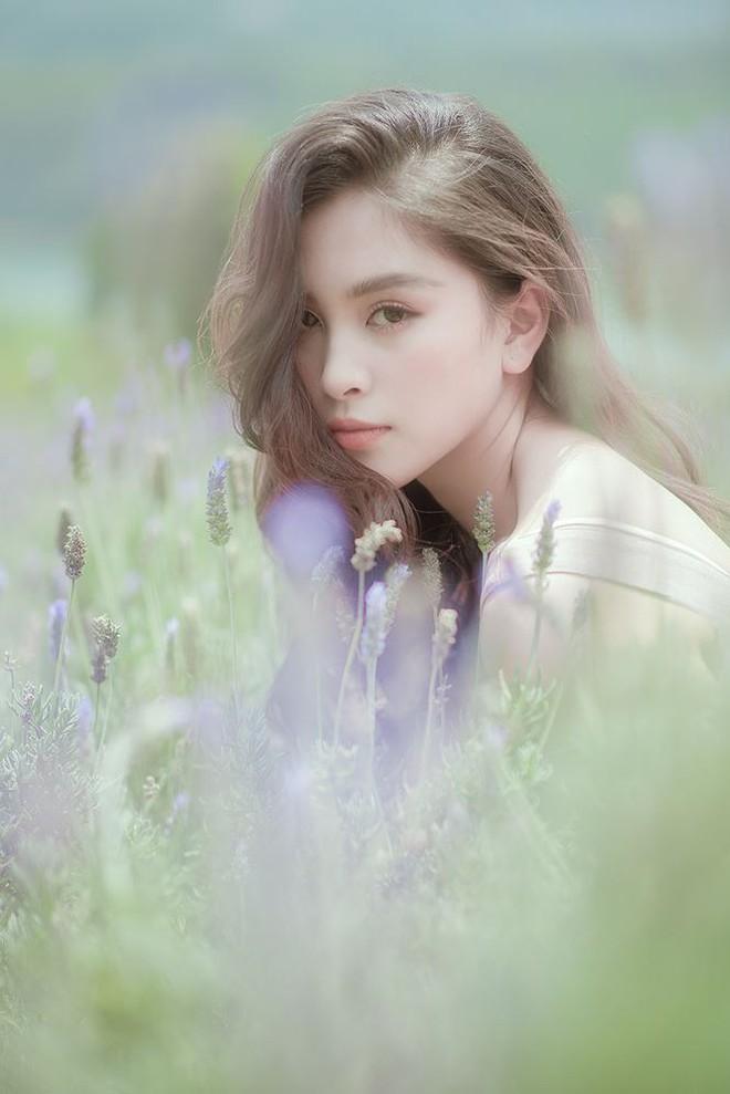 Ngất ngây với vẻ ngọt ngào của Hoa hậu Tiểu Vy sau nửa năm đăng quang - Ảnh 5.