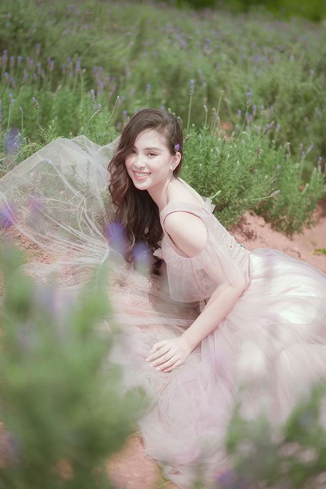 Ngất ngây với vẻ ngọt ngào của Hoa hậu Tiểu Vy sau nửa năm đăng quang - Ảnh 6.