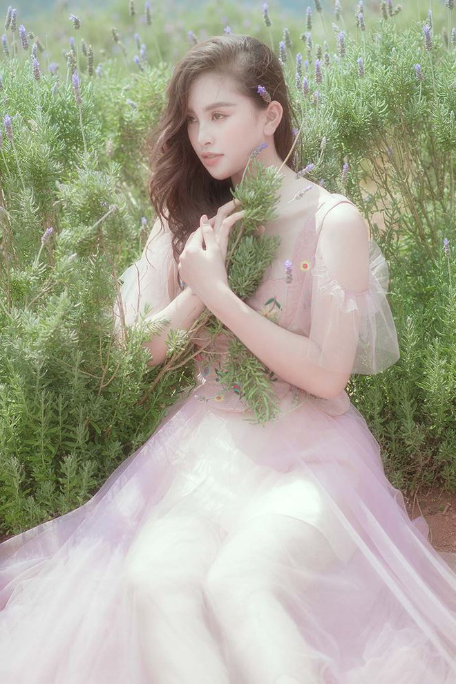 Ngất ngây với vẻ ngọt ngào của Hoa hậu Tiểu Vy sau nửa năm đăng quang - Ảnh 7.