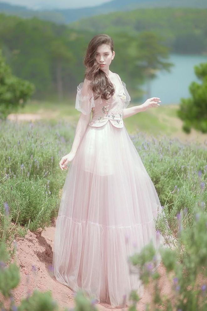 Ngất ngây với vẻ ngọt ngào của Hoa hậu Tiểu Vy sau nửa năm đăng quang - Ảnh 9.