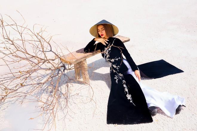 Kim Tuyến quyến rũ, xinh đẹp khi diện áo dài cách tân - Ảnh 9.