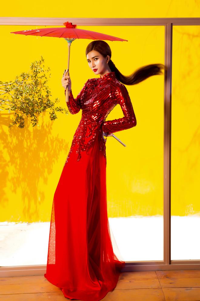 Kim Tuyến quyến rũ, xinh đẹp khi diện áo dài cách tân - Ảnh 12.