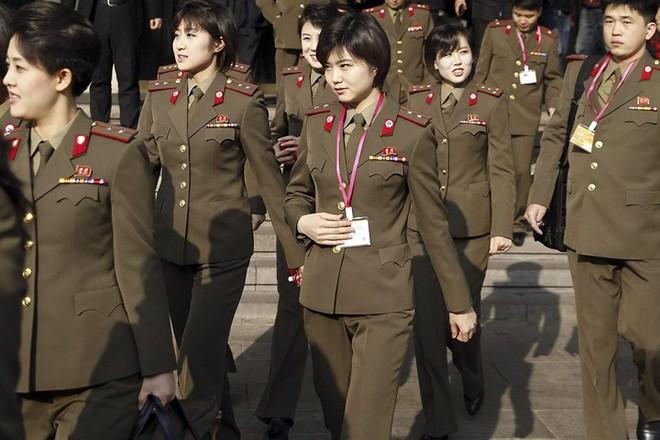 Ban nhạc nữ nổi tiếng nhất Triều Tiên xinh đẹp và quyền lực cỡ nào? - Ảnh 12.